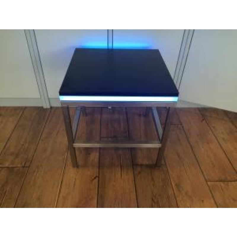 loungetisch new york steel 50x50x45 schwarze platte beleuchtet. Black Bedroom Furniture Sets. Home Design Ideas