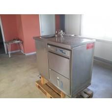 Frontlader Spülmschine mit Waschbecken u. Abtropffläche,